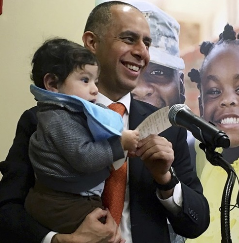 Video: Mayor Elorza and mother receives police protection 24/7